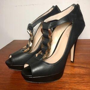 Elegant black leather heel with chain 8.5